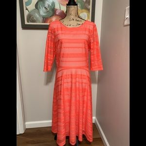 Sangria Dresses - Beautiful Sangria Textured Lace Overlay Dress💕